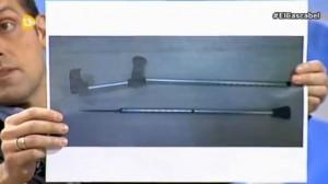 La imagen de una muleta presuntamente empleada en los disturbios posteriores al 22M pertenece a un suceso del día 20. La imagen de un tirachinas con bolas metálicas difundida por el CEP pertenece a abril de 2013.