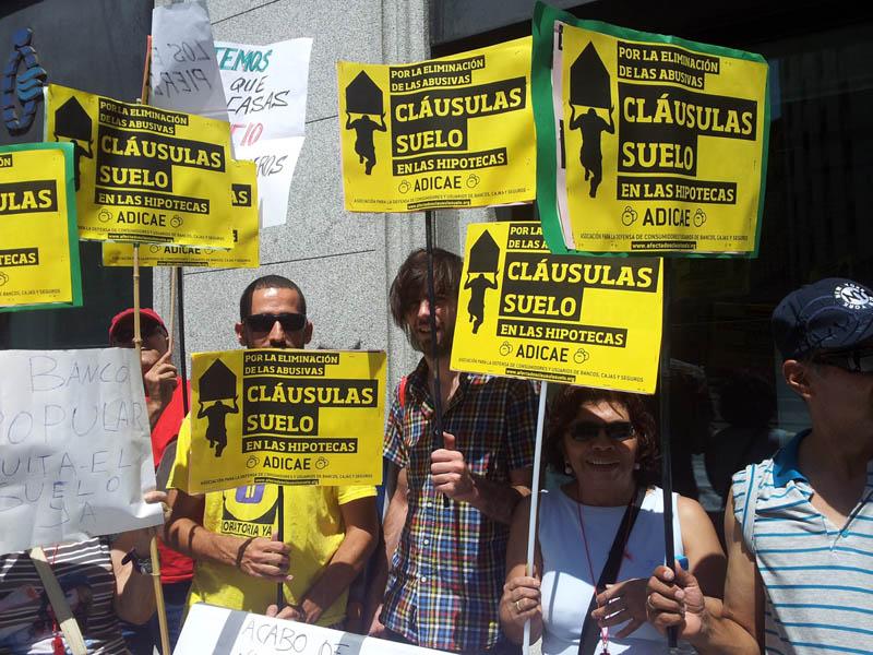 """ADICAE denuncia al BBVA por """"incumplir"""" la condena del Supremo al mantener en las escrituras la cláusula suelo"""