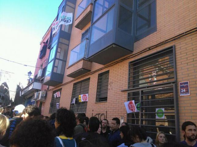 La PAH de Vallecas recupera tres edificios para que 40 personas tengan una vivienda