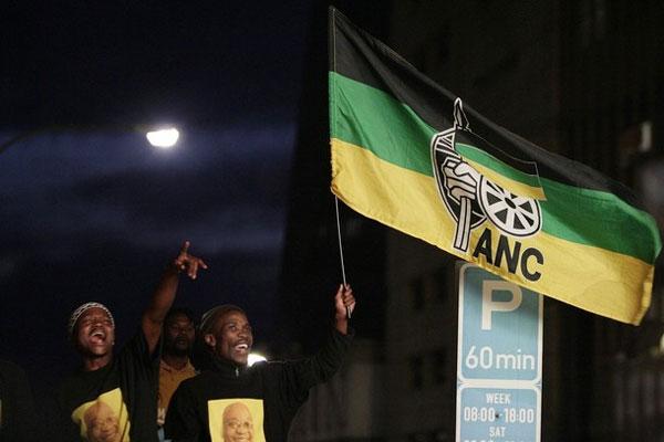 El ANC revalida su mayoría absoluta por quinta vez