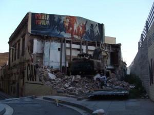 l edificio de Can Vies después de la demolición de la mitad del inmueble y la torre superior / Lali Sandiumenge (Wikimedia Commons)