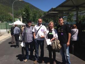 Representantes de CHA-Primavera Europea en su visita a Biescas.