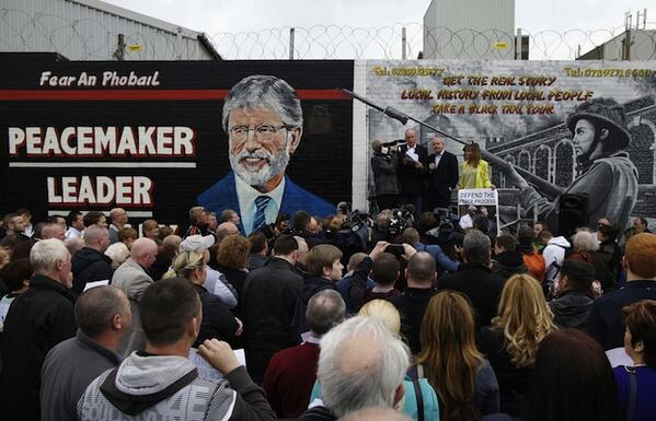 El Sinn Féin sale a la calle para reclamar la puesta en libertad de Gerry Adams