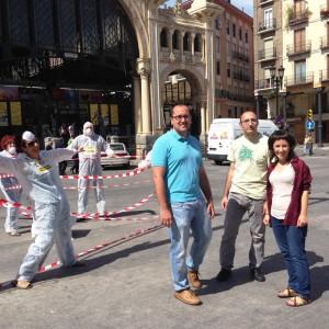 La y los candidatos de La Izquierda Plural durante el acto celebrado en el Mercado Central de Zaragoza.