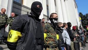 Miembros de Praviy Sèktor (Sector Derecha), organización paramilitar y ultranacionalista de extrema derecha.