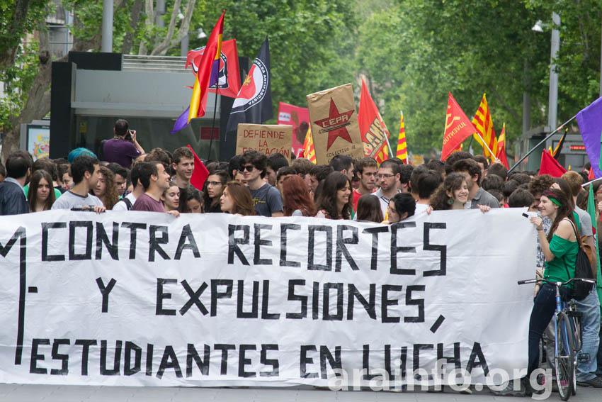 Estudiantes salen a las calles de Aragón contra los recortes y en defensa de sus derechos