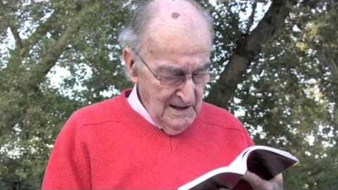 Fallece Mariano Esquillor, poeta de la imaginación, de la fantasía, constructor de mundos ya olvidados