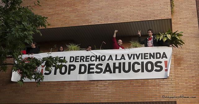 Stop Desahucios se felicita de la suspensión de los desalojos previstos en Santa Isabel