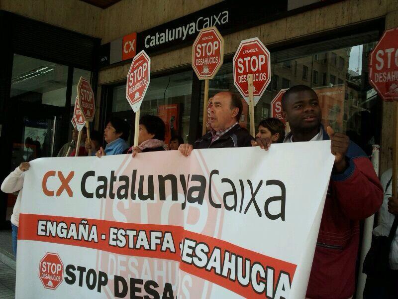 Stop Desahucios inicia una campaña a favor de las personas afectadas por Catalunya Caixa