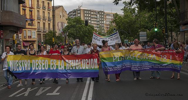"""Zaragoza celebra el Día del Orgullo LGTBQI bajo el lema """"Nuestro deseo es la revolución"""""""