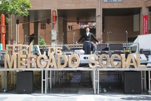 La plaza San Bruno se volverá a llenar de economía solidaria con la Feria del Mercado Social. Foto: AraInfo
