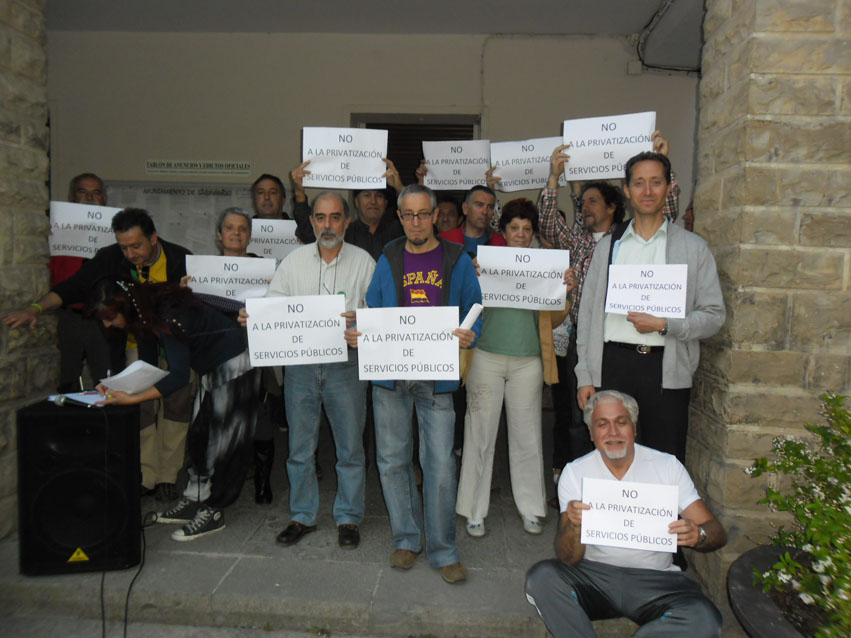 Samianigo se concentró ayer contra la privatización de los servicios públicos