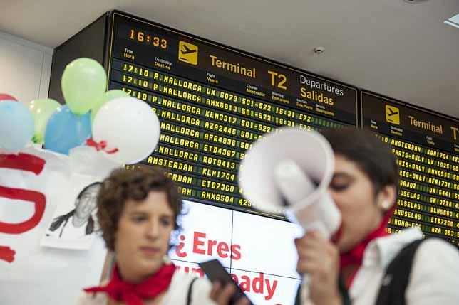 ¿Casi 150 vuelos para deportar migrantes y sólo seis incidentes?