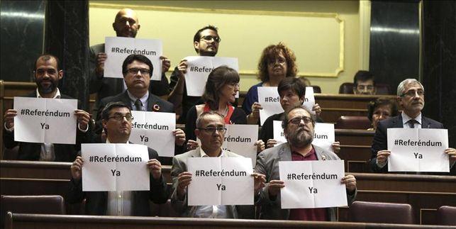 PP, PSOE, CiU y UPyD avalan el trámite «exprés» de la ley de abdicación