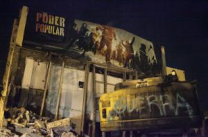 Imagen de la excavadora quemada. Foto: Sarai Rua (La Directa)