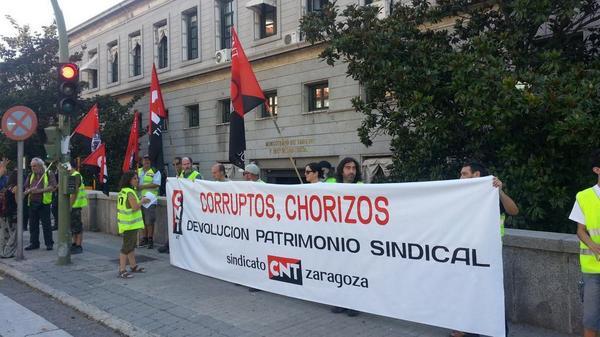Cnt se concentr en madrid para protestar por la subasta - Subastas ministerio del interior ...