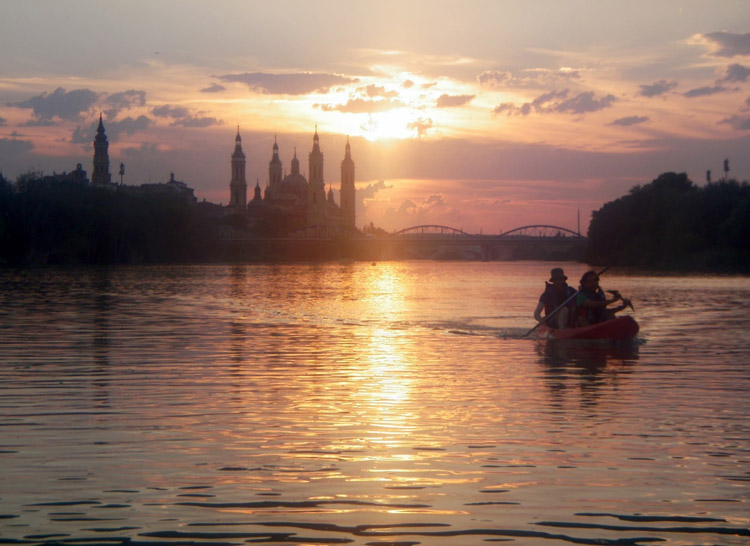 EbroNautas anima a descubrir el Ebro en todos sus tramos y al anochecer