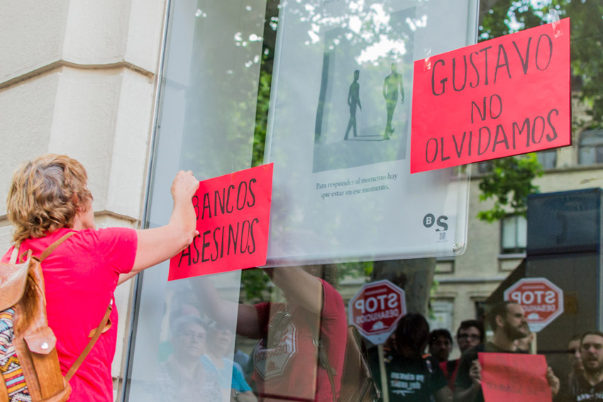 """Stop Desahucios recuerda a Gustavo al grito de """"no son suicidios, son asesinatos"""""""