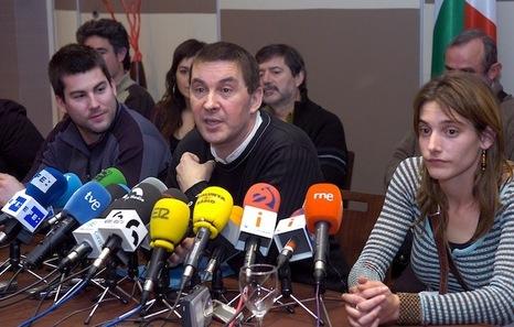 El TC mantiene en prisión a Arnaldo Otegi y sus compañeros, que agotarán la condena impuesta