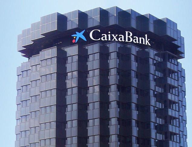 ADICAE denuncia a Caixabank ante el Banco de España por la comisión por retirada de efectivo en cajeros