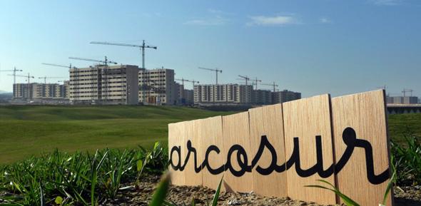 IU reclama que se cambie el campo de golf de Arcosur por un parque