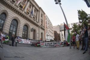 Este jueves la plaza España de Zaragoza acogerá una concentración en apoyo al Pueblo palestino. El viernes, la concentración será en Uesca, en plaza Navarra. Foto: Diego Díaz (AraInfo)