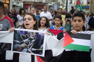 Concentración en Zaragoza en apoyo al Pueblo palestino. Foto: Pablo Ibañez (AraInfo)