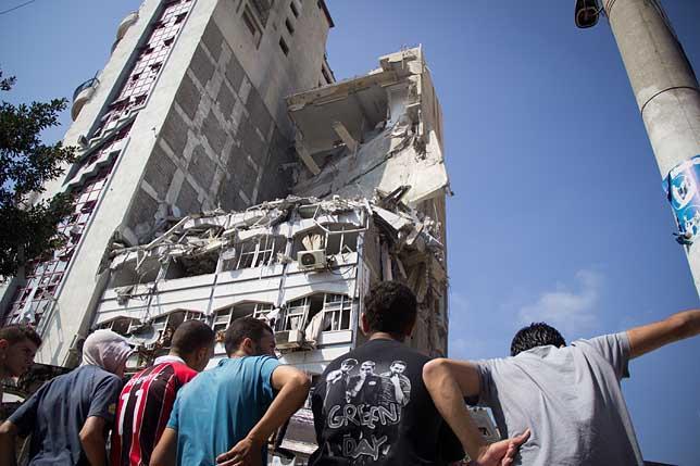 Israel y Hamas acuerdan un alto el fuego humanitario de 72 horas