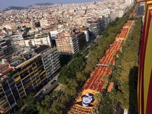 1,8 millones de personas han participado en la 'V' de la Diada. Foto: @Araeslhora