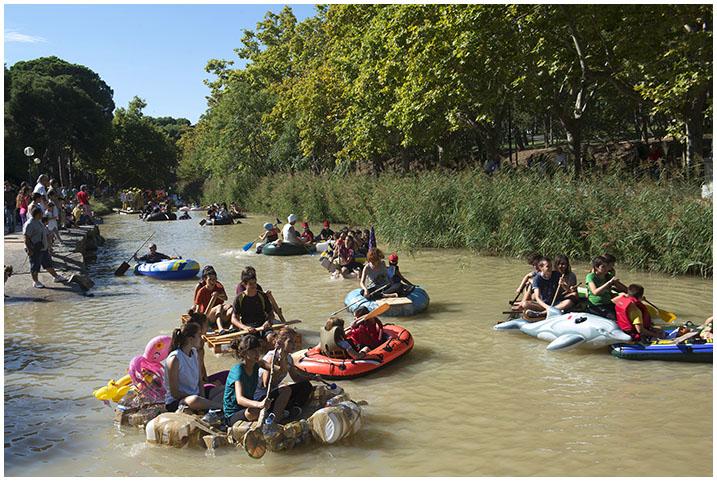 Torrero cierra con la Bajada del Canal un fin de semana lleno de reivindicaciones sociales