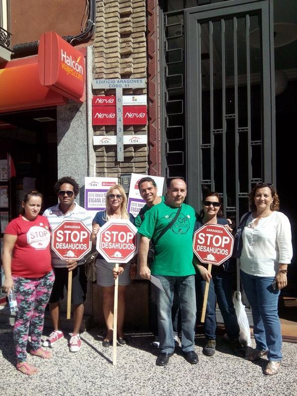 Stop Desahucios Zaragoza inicia una campaña contra el banco UCI-Santander