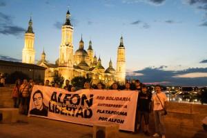 Pancarta en Zaragoza pidiendo la libertad de Alfon. Foto: Pablo Ibañez (AraInfo)