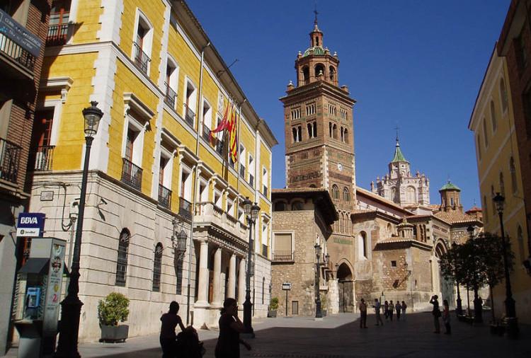 """CNT defiende en el Pleno de Teruel unas condiciones de trabajo """"dignas"""" en los servicios públicos municipales"""
