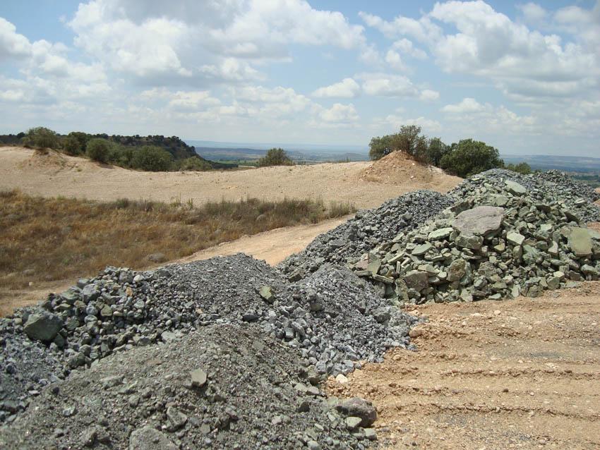 Amigos de la Tierra denuncia vertidos de residuos industriales en Binazet