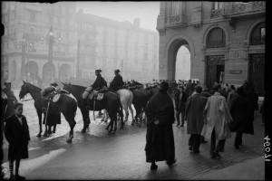 Retén de la Guardia Civil durante convocatoria de huelga de CNT en 1931.