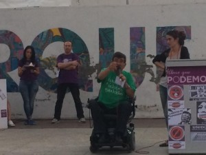 Antonio Aramayona durante su intervención en el Foro. Foto: @PodemosZaragoza