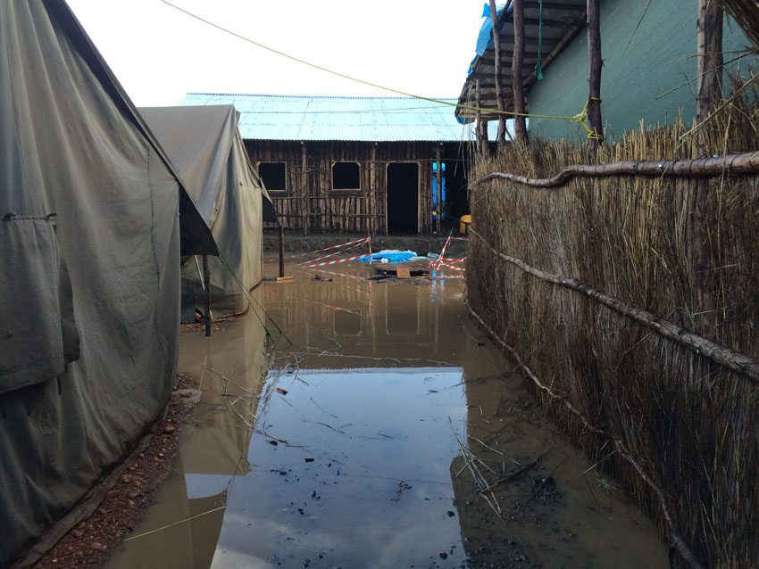 Etiopía: refugiados sursudaneses sobreviven a duras penas en los campos inundados