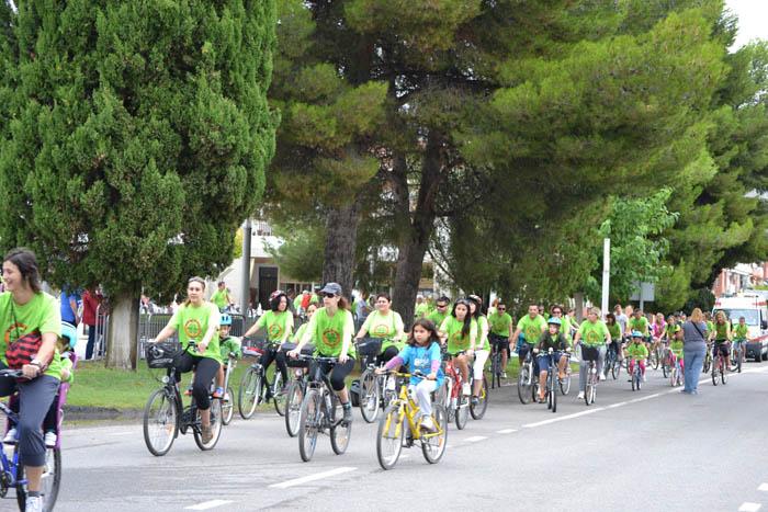 Mequinensa celebra el 'día de la bicicleta'