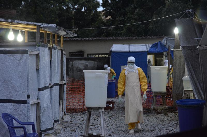 El número de muertos por el actual brote de ébola, que comenzó en Guinea, se sitúa en 4.447