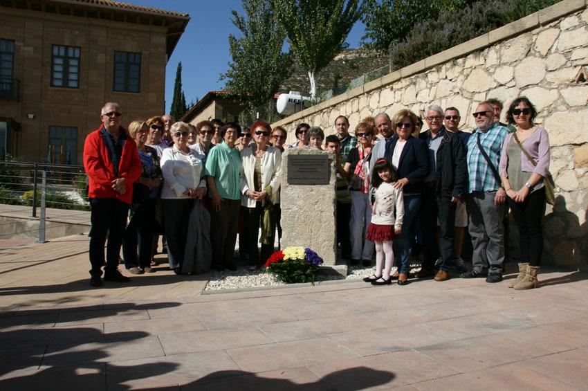 Un centenar de personas participan en homenaje que Mequinensa rindió a los deportados a campos de concentración nazis