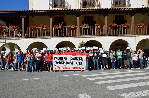 Vecinas y vecinos del Roncal denuncian las desproporcionadas multas recibidas por protestar ante el acto fascista de Hispania Verde y MSR