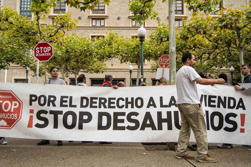 """Convocan una concentración en el Pignatelli para protestar por las """"vergonzosas cifras"""" de desahucios en Aragón"""