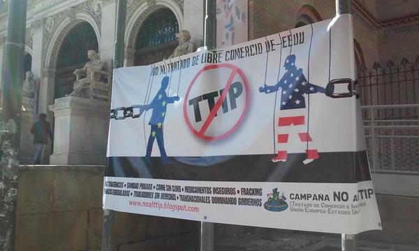 Más de un millón de firmas en la campaña contra el TTIP