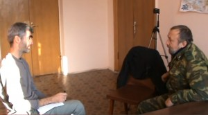 Imagen del vídeo de Eloy Fontán en su entrevista a Yuri Nikolaecich Jojlov, diputado en Lugansk por el Partido Comunista.