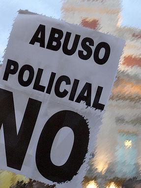 Denuncian la «violación de los derechos fundamentales de las personas» en un registro policial en Zaragoza