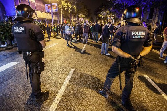 El gobierno español envía de urgencia 180 antidisturbios a Catalunya