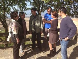 Representantes de CHA durante su visita a Yesa y Artieda.