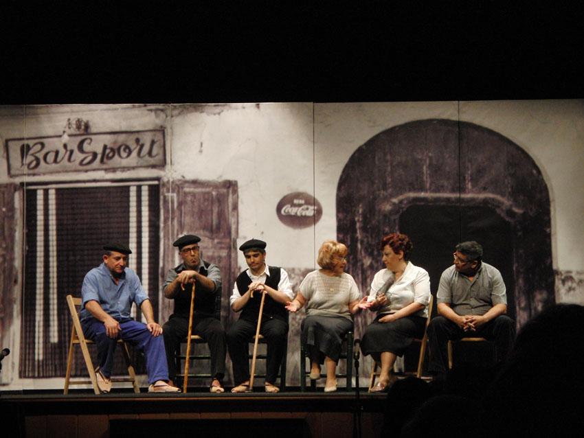 Garbinada Teatre pone en escena en Alcampell la obra 'D'un temps d'un poble' basada en textos de Jesús Moncada