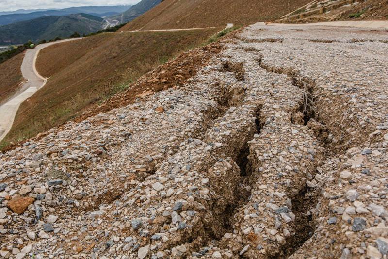 Río Aragón y Yesa+No acusan a la CHE de mentir ante las nuevas grietas en Yesa