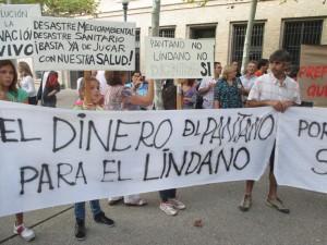 Protesta en las puertas de la DGA. Foto: Coordinadora Biscarrués